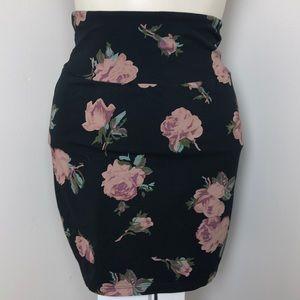 TALULA Aritzia • Black Floral Bandage Skirt • Sz M